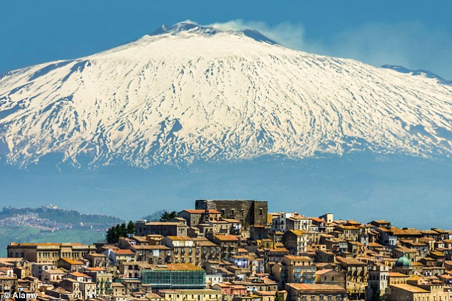perierga.gr - Xωριό στη Σικελία πουλάει σπίτια με 1 ευρώ!