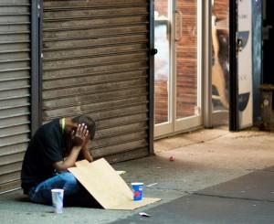 perierga.gr - Άστεγος VS καλοντυμένου: Ένα διδακτικό πείραμα! (βίντεο)