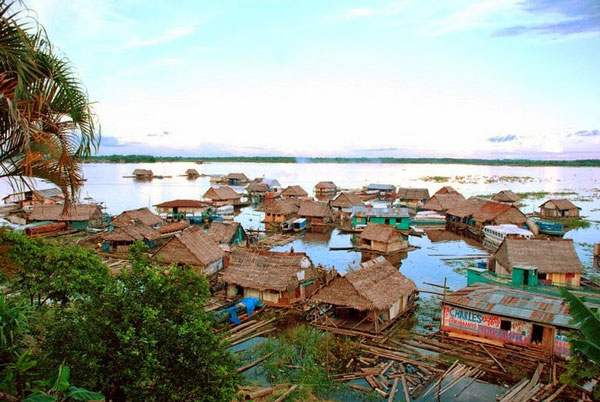 Iquitos: Η μεγαλύτερη πόλη χωρίς οδική πρόσβαση!