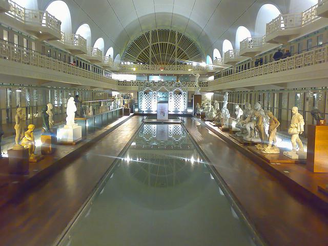 tilestwra.gr - Η πισίνα που έγινε… μουσείο!