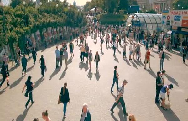 Perierga.gr - Μια πόλη παγώνει για ένα λεπτό κάθε χρόνο!