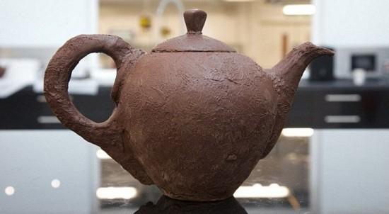 perierga.gr - Τσαγιέρα από σοκολάτα σερβίρει τσάι χωρίς να λιώνει!