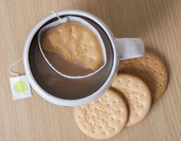 perierga.gr - Βούτα με ασφάλεια το μπισκότο στο τσάι!