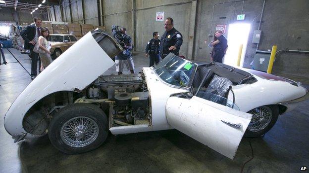 perierga.gr - Βρήκε το κλεμμένο αυτοκίνητο μετά από... 46 χρόνια!
