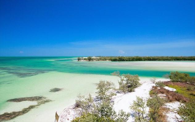 perierga.gr - Τα 10 πιο κρυστάλλινα νερά του κόσμου!