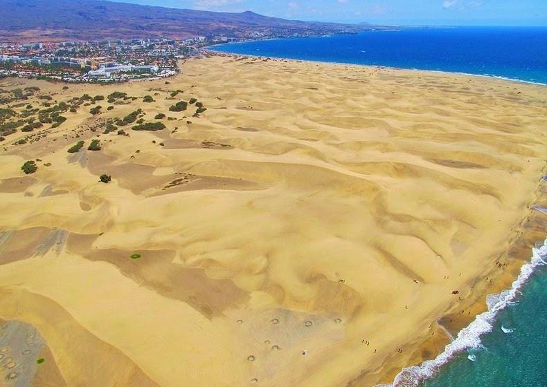perierga.gr - Η εντυπωσιακή παραλία με τους αμμόλοφους!