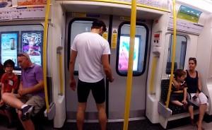 perierga.gr - Μπορείς να συναγωνιστείς στο τρέξιμο ένα τρένο; (βίντεο)