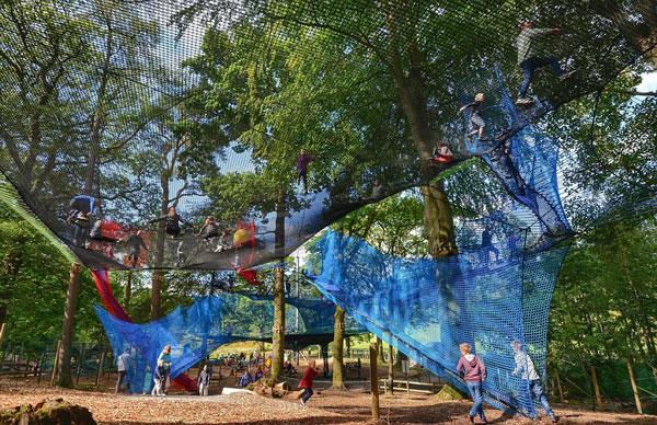 perierga.gr - Παιδική χαρά πάνω στα δέντρα!
