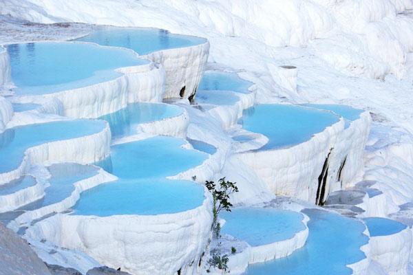 perierga.gr - Τοποθεσίες στον κόσμο με εκπληκτικά χρώματα!