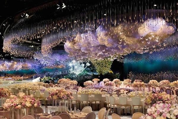 perierga.gr - Θεαματική εγκατάσταση σε χώρο γαμήλιας δεξίωσης!