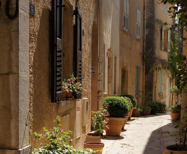 perierga.gr - Grasse: Η γαλλική πόλη των γιασεμιών!