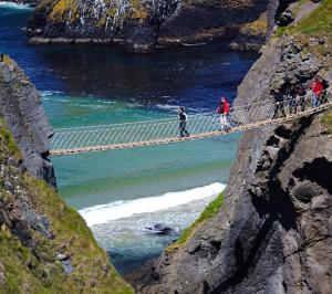 perierga.gr - Εντυπωσιακές κρεμαστές γέφυρες στον κόσμο
