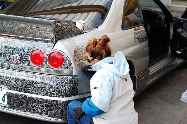 perierga.gr - Ζωγράφισε το αυτοκίνητο του συζύγου της!