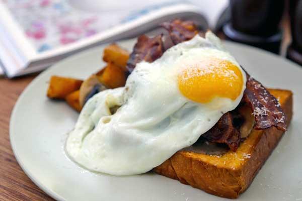 perierga.gr - Εστιατόριο με σπεσιαλιτέ... τα αυγά!