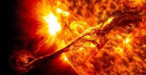 perierga.gr - Απίθανο βίντεο με 17.000 εικόνες από τον ήλιο!