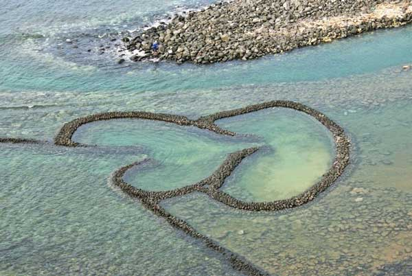perierga.gr - Παγίδες ψαριών σε σχήμα καρδιάς!