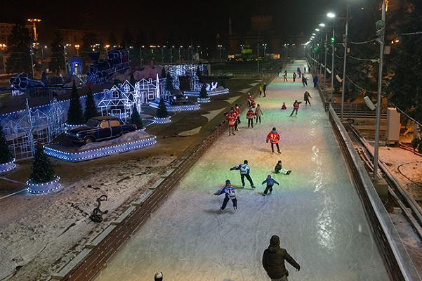 Perierga.gr - Το μεγαλύτερο παγοδρόμιο του κόσμου!