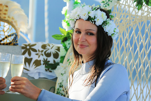 perierga.gr - Υποβρύχιος γάμος στα Μπόρα Μπόρα!