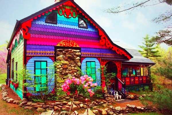 "perierga.gr - Το πολύχρωμο σπίτι ""Calico""!"