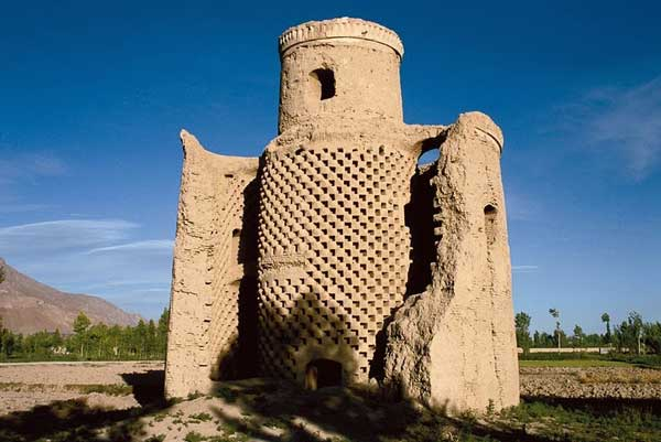 perierga.gr - Οι περίτεχνοι περιστερώνες της Περσίας!