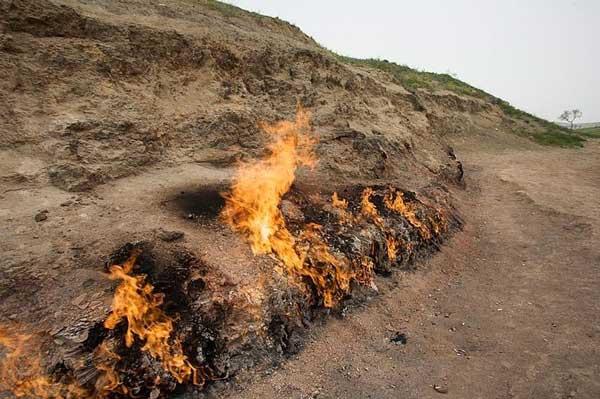 perierga.gr - Αζερμπαϊτζάν: Η Γη του πυρός!