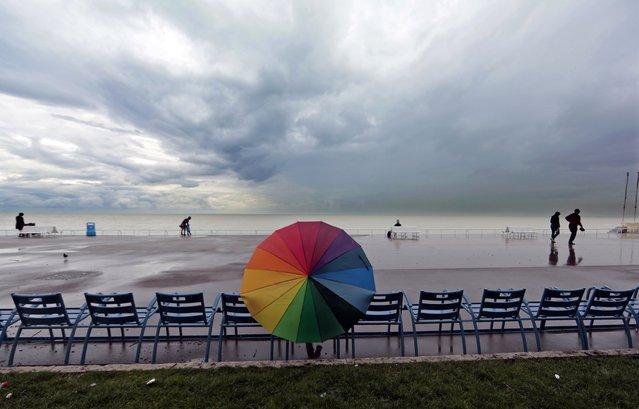 perierga.gr - Κάτω από την ομπρέλα!