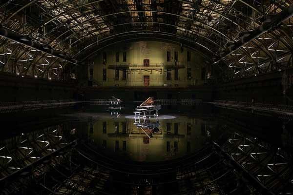 perierga.gr - Δωμάτιο γίνεται... λίμνη υπό τους ήχους της μουσικής!