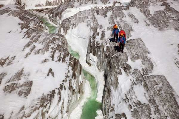 perierga.gr - Δαμάζοντας τα νερά των παγετώνων!