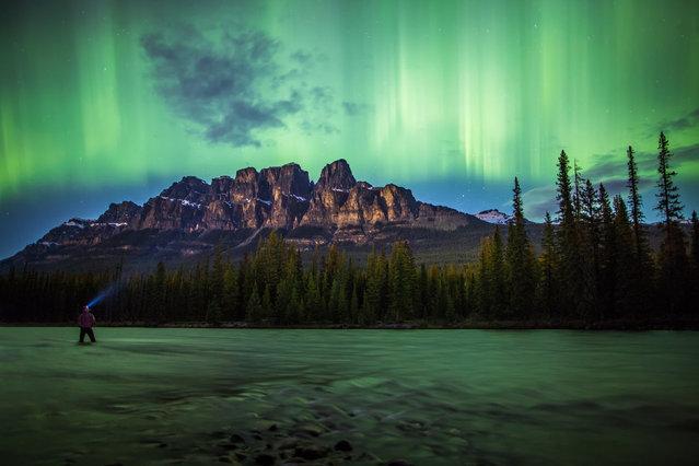 perierga.gr - Βγάζει selfies σε υπέροχα τοπία του Καναδά!