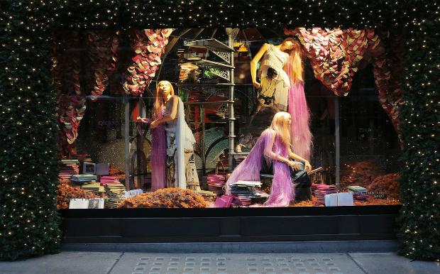 perierga.gr - Διάσημα πολυκαταστήματα στολίζονται χριστουγεννιάτικα!