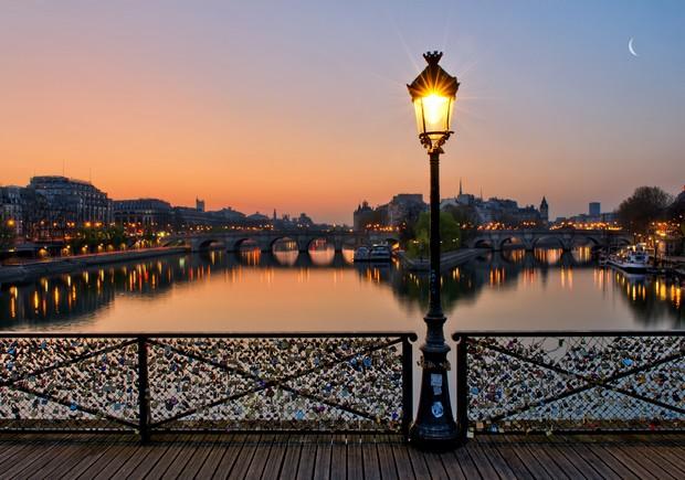 perierga.gr - Το Παρίσι χάνει τις... κλειδαριές της αγάπης!