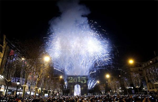 Perierga.gr - Πρωτοχρονιά στις μητροπόλεις του κόσμου
