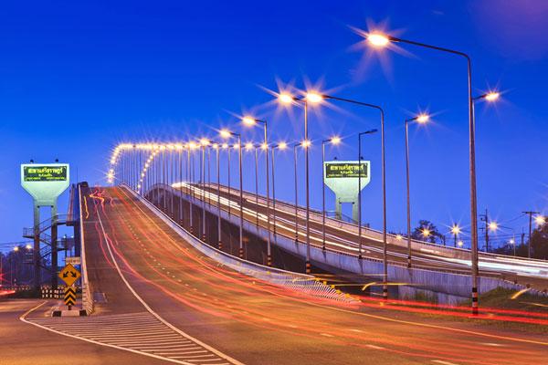 perierga.gr - Μπλε ώρα: Ημαγική στιγμή μεταξύ μέρας και νύχτας!