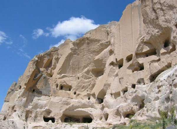 perierga.gr - Ανακάλυψαν υπόγεια πόλη 5.000 ετών στην Καππαδοκία!