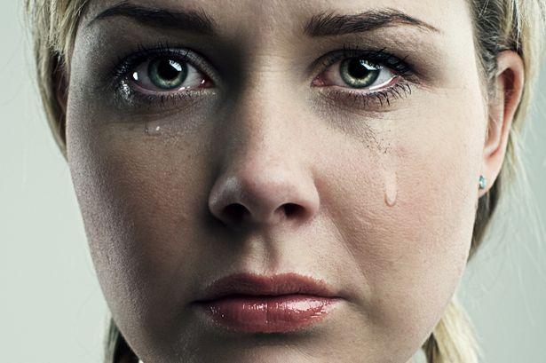 perierga.gr - Γιατί κλαίνε οι γυναίκες περισσότερο από τους άντρες