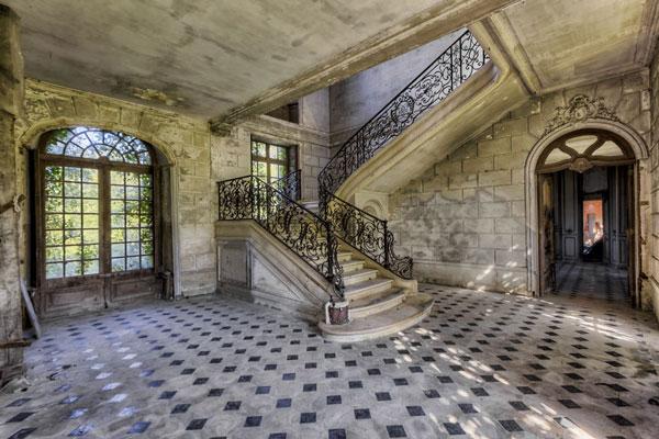 perierga.gr - Eγκαταλειμμένες σκάλες διατηρούν την ομορφιά τους!