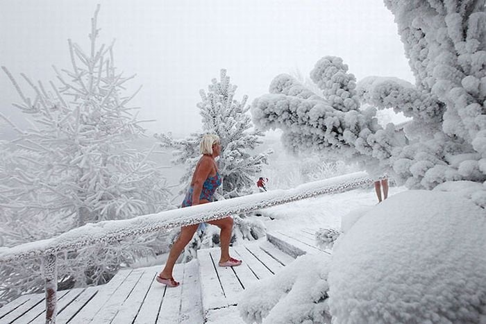 perierga.gr - Χειμερινοί κολυμβητές στον κόσμο!
