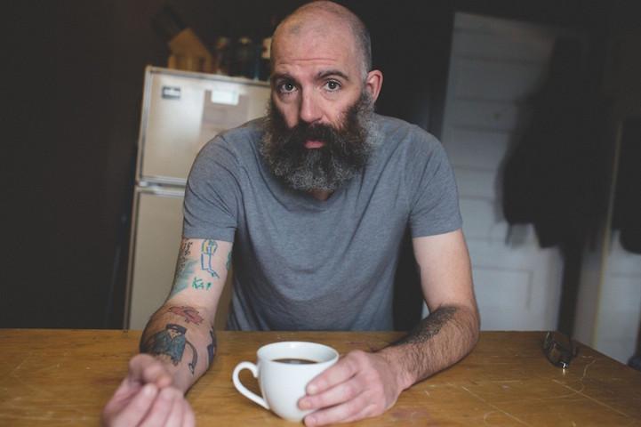 perierga.gr - Κάνει τις ζωγραφιές του γιου του... τατουάζ στο σώμα του!