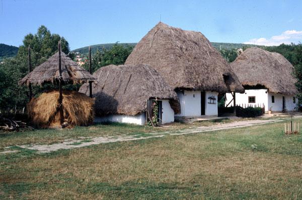 perierga.gr - Δήμαρχος νοικιάζει το χωριό του για 700 ευρώ τη μέρα!