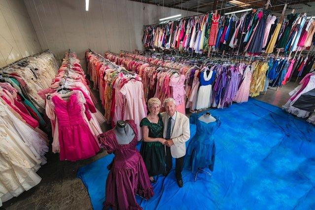 Ο άντρας που αγόρασε 55.000 φορέματα για την γυναίκα του!