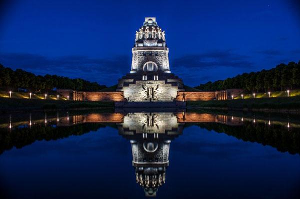 perierga.gr - Völkerschlachtdenkmal: Το μεγαλύτερο μνημείο στην Ευρώπη!