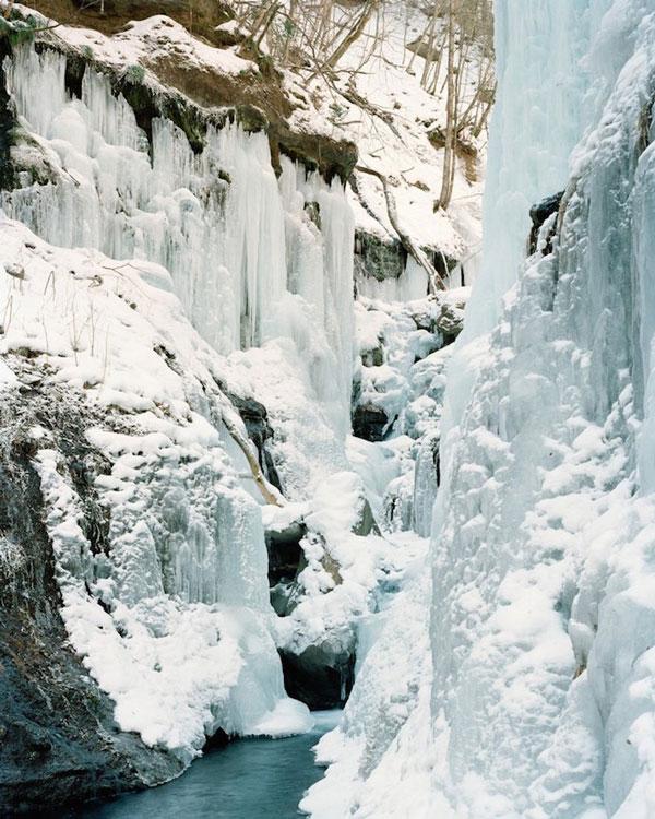 perierga.gr - Οι παγωμένοι καταρράκτες της Ιαπωνίας!