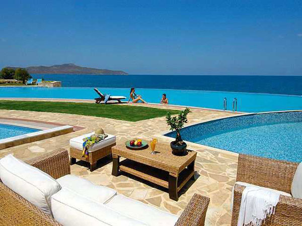 Είναι γεγονός!!! Έρχεται στην Ελλάδα το πρώτο ξενοδοχείο για… μπακούρια! (Εικόνες)