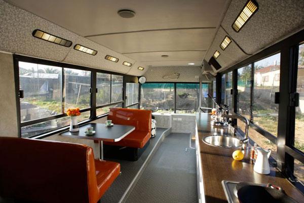 perierga.gr - Το λεωφορείο έγινε... σπίτι!