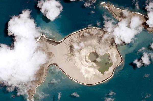 perierga.gr - Nέο νησί μαγεύει με την ομορφιά του!