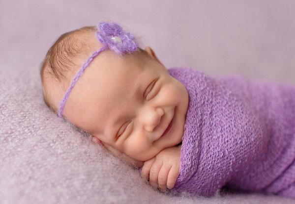 perierga.gr - Χαμογελαστά μωρά στην αγκαλιά του Μορφέα!