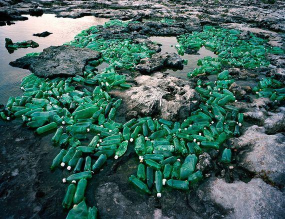 Perierga.gr - Τα σκουπίδια της Καραϊβικής σε ένα υπαίθριο... μουσείο!