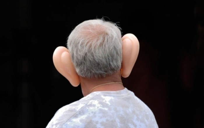 perierga.gr - Γιατί μεγαλώνουν τα αφτιά μας όσο γερνάμε;