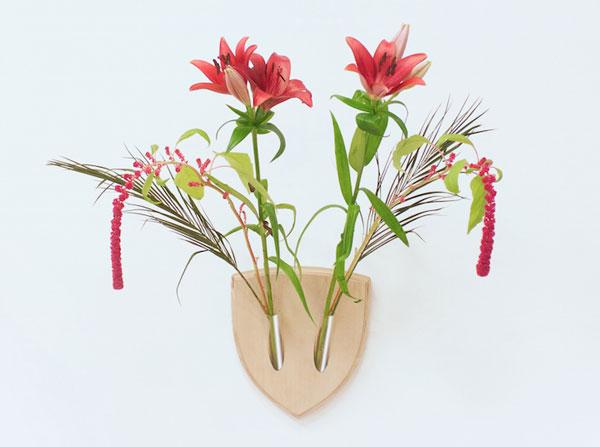 "perierga.gr - Οικολογικά ""τρόπαια"" με λουλούδια!"