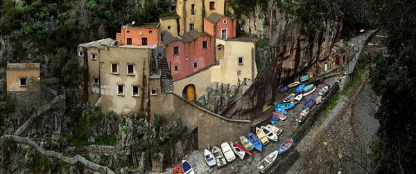 perierga.gr - Furore: Το πανέμορφο ιταλικό χωριό που... δεν υπάρχει!